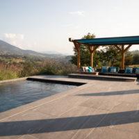 Piscine et sa pool house